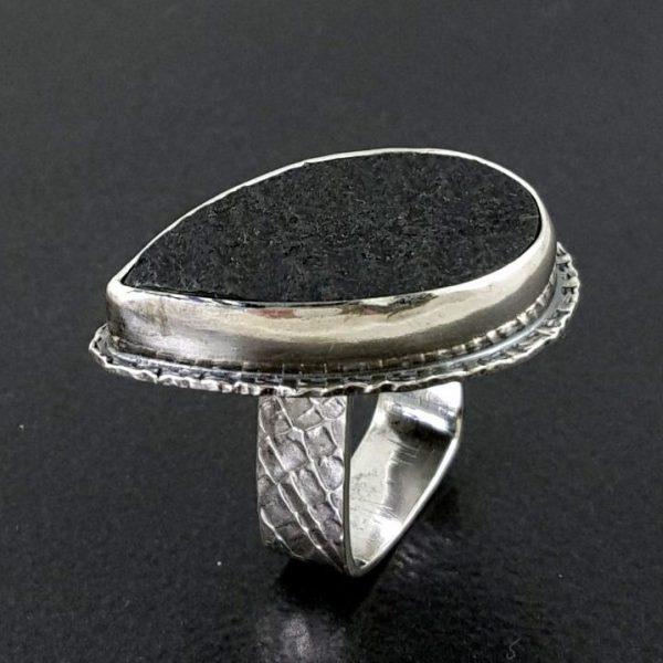 Natural surface black jade ring