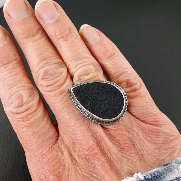 Natural surface black jade ring