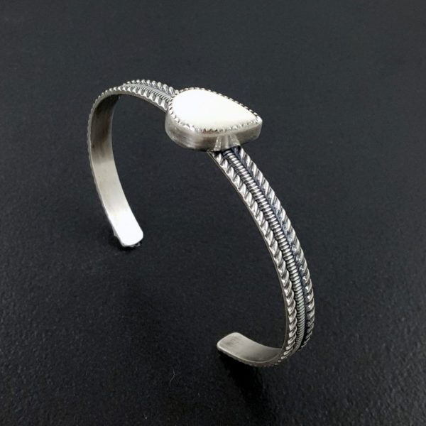 bone stacking cuff