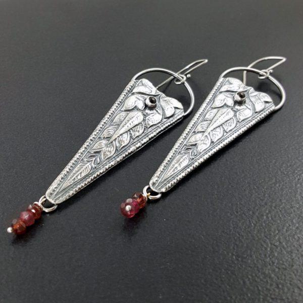 garnet vintage die earrings