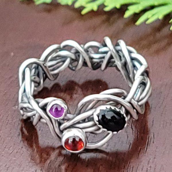 Black Onyx Grapevine Ring Size 8.5