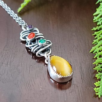honey tiger eye grapevine necklace 3